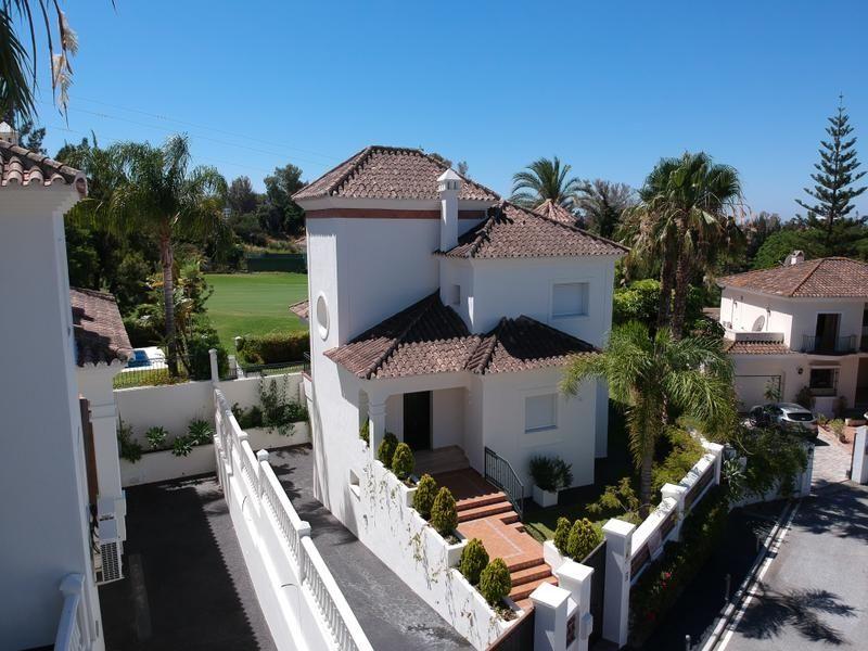 Villa Guadalmina I