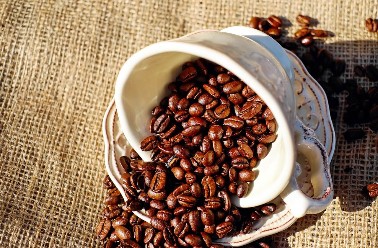 Café como truco casero para lograr buen olor en la casa