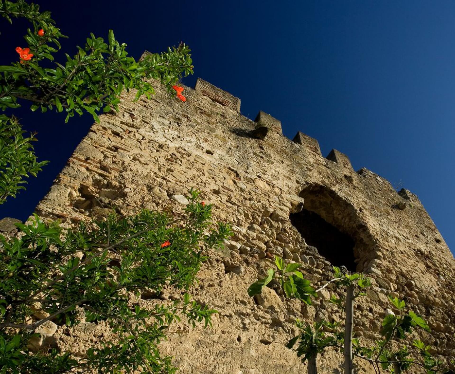 Muralla del castillo en Marbella