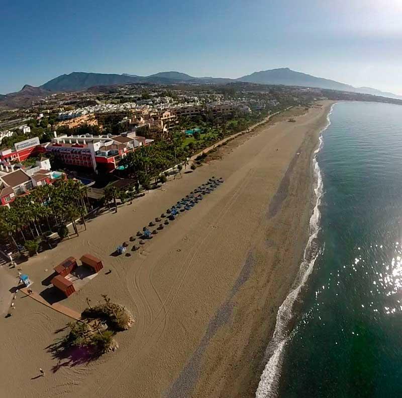 imagen de las playas de Estepona